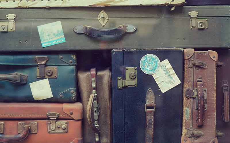 Tips for moving abroad with a young family!